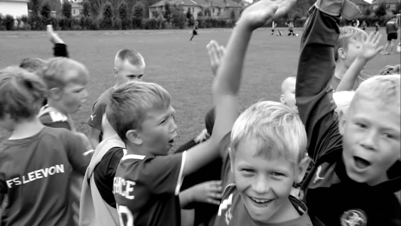 bērnu futbola skola Leevon