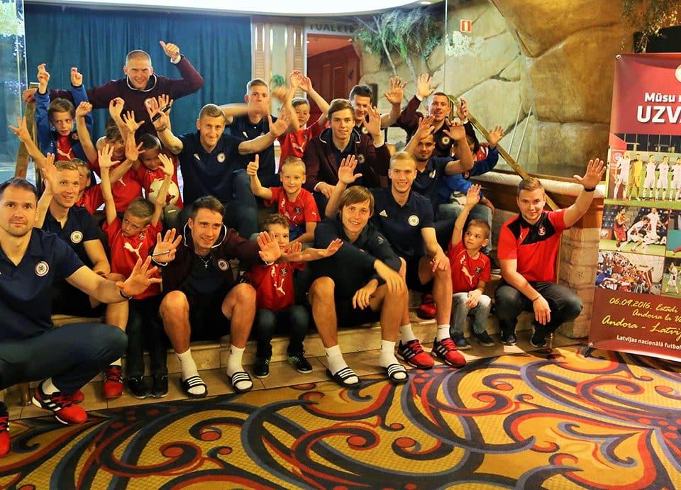Latvijas futbola izlase tiekas ar FS LEEVON