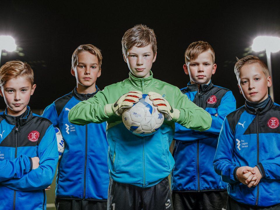bērnu futbola skola piedāvā futbola nodarbības bērniem no 3 gadu vecuma